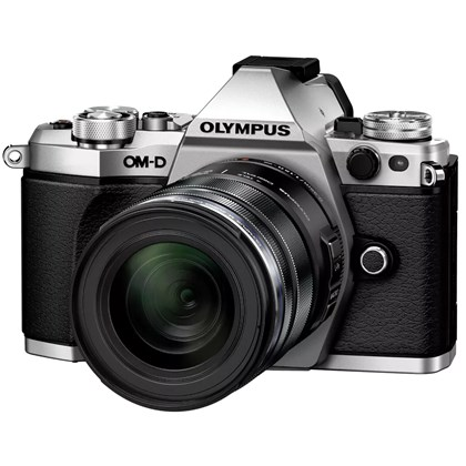 OM-D E-M5 II Kit (Silver) with ED 12-50mm f3.5-6.3 EZ